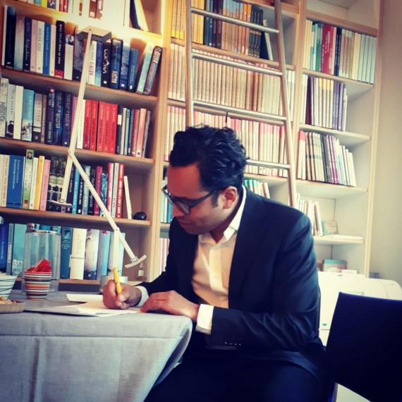 Maurice Seleky tekent bij Schönbach Literary Agency